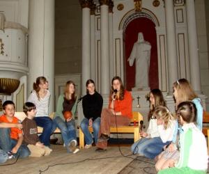 2007. gada 8. maijs. Svētdienas skola ar muzikālu priekšnesumu viesojas Jēzus baznīcā